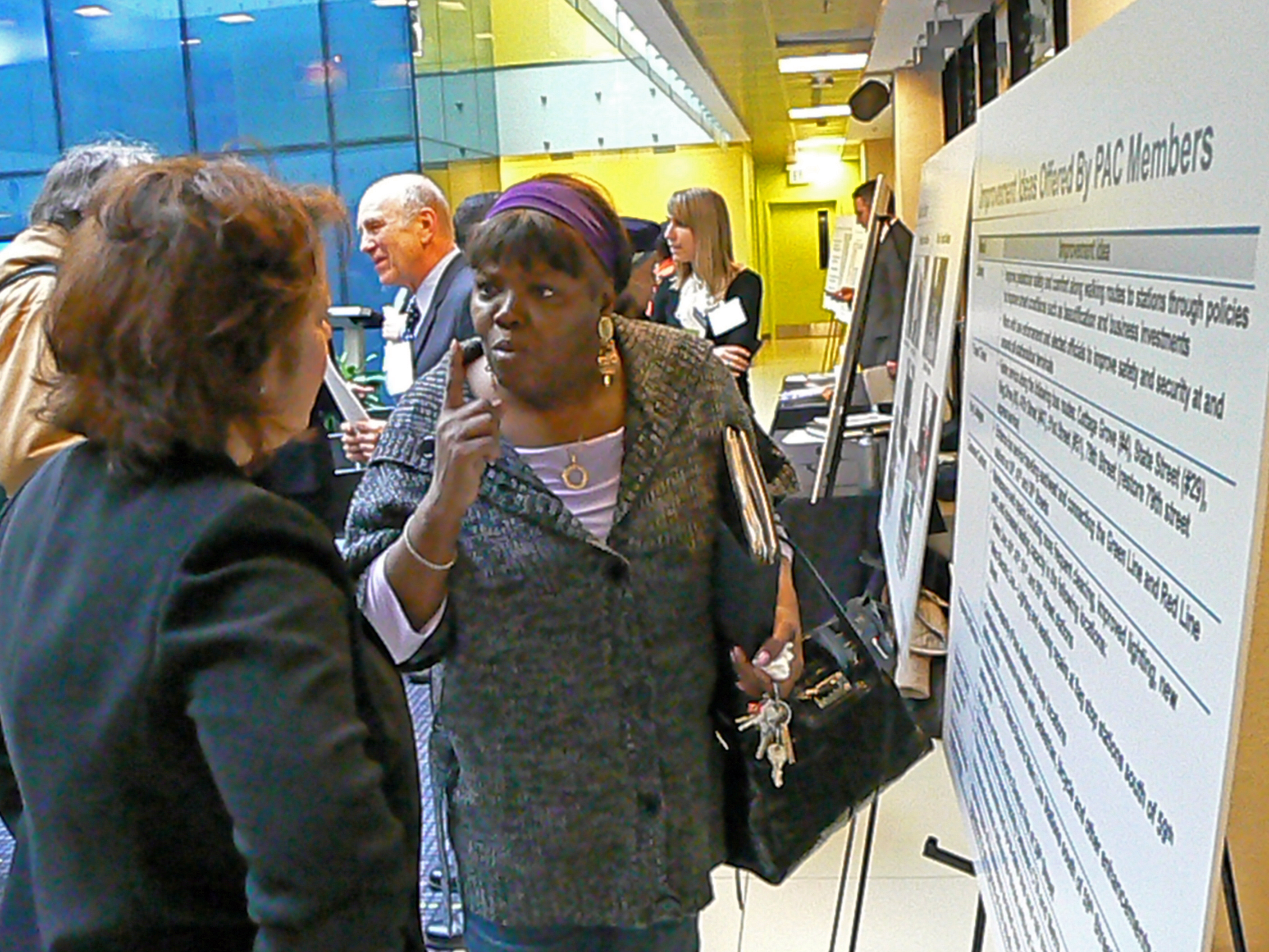 Sandra Bevins, executive director of the 51st Street Business Association, discusses transit improvements ideas, during a meeting hosted by Chicago Department of Transportation.